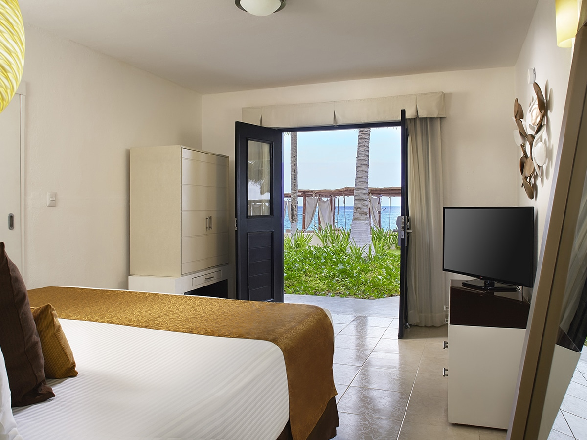 Desire Riviera Maya Resort Deluxe Ocan View Room