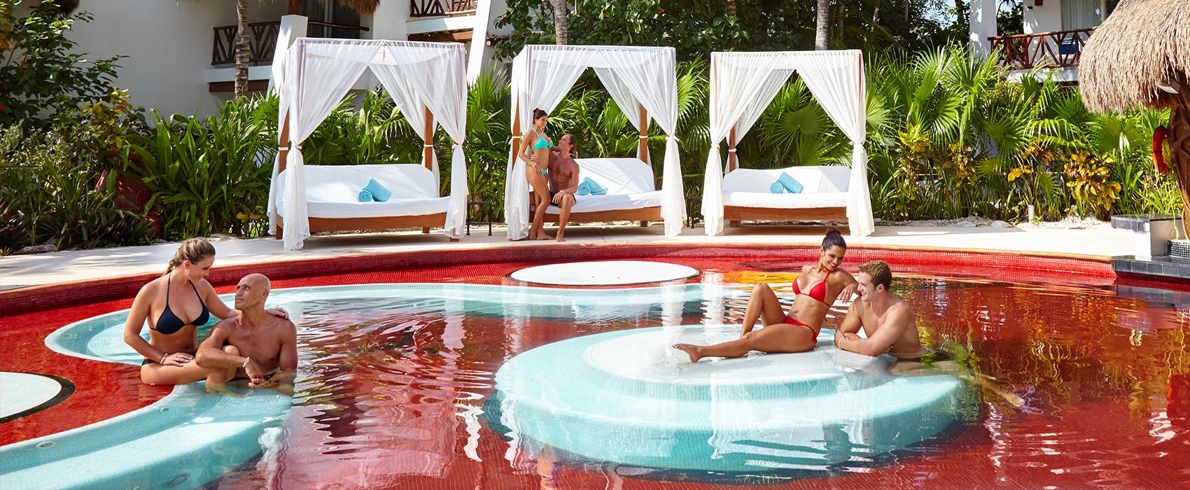 Desire Riviera Maya Pearl Resort Jacuzzi Lounge